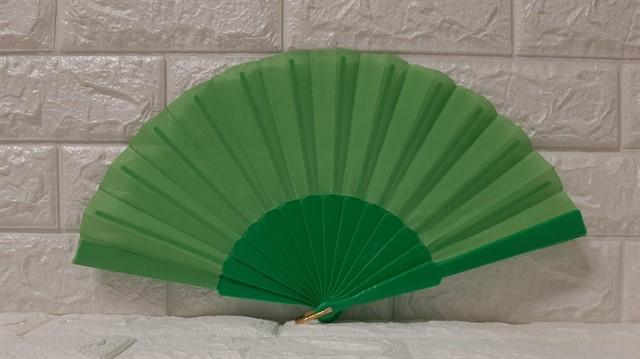 מניפה ממותגת בצבע ירוק